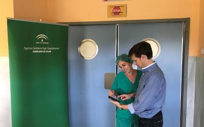 Una aplicación móvil permite a los pacientes comunicarse con el centro sanitario para preparar su intervención quirúrgica