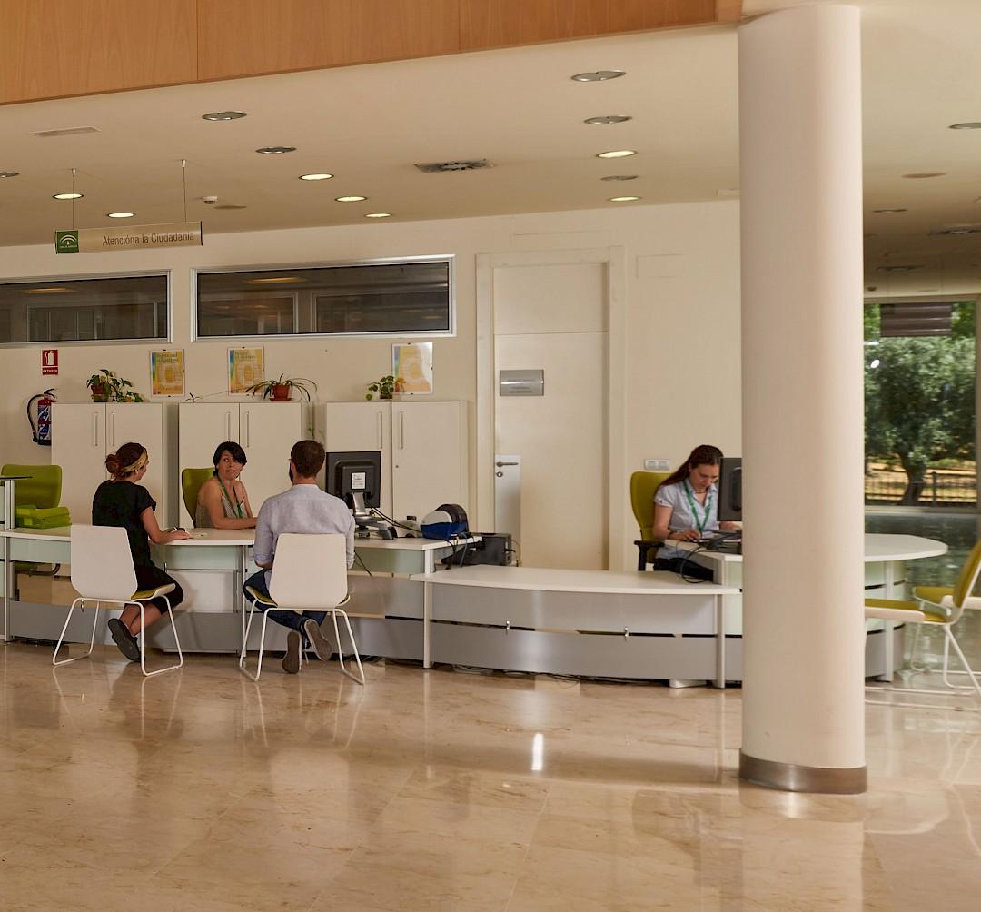 Área de recepción del hospital de Utrera