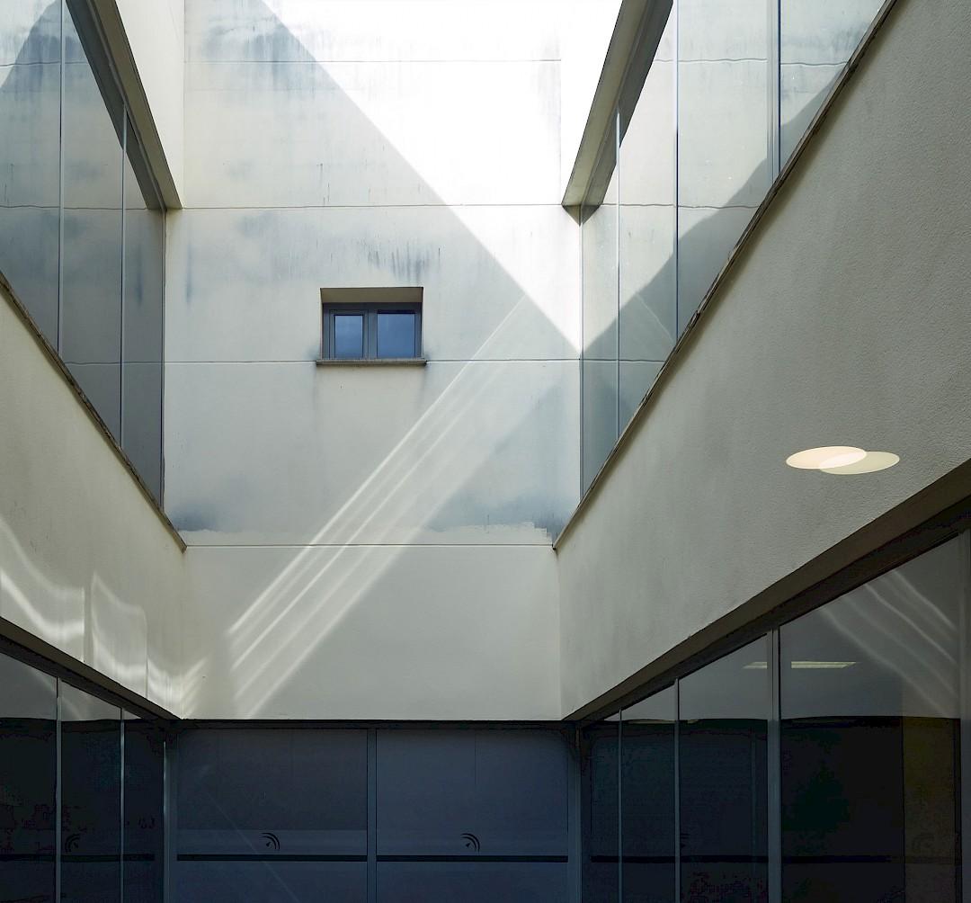 Foto de un detalle exterior del edificio. Geométrico.