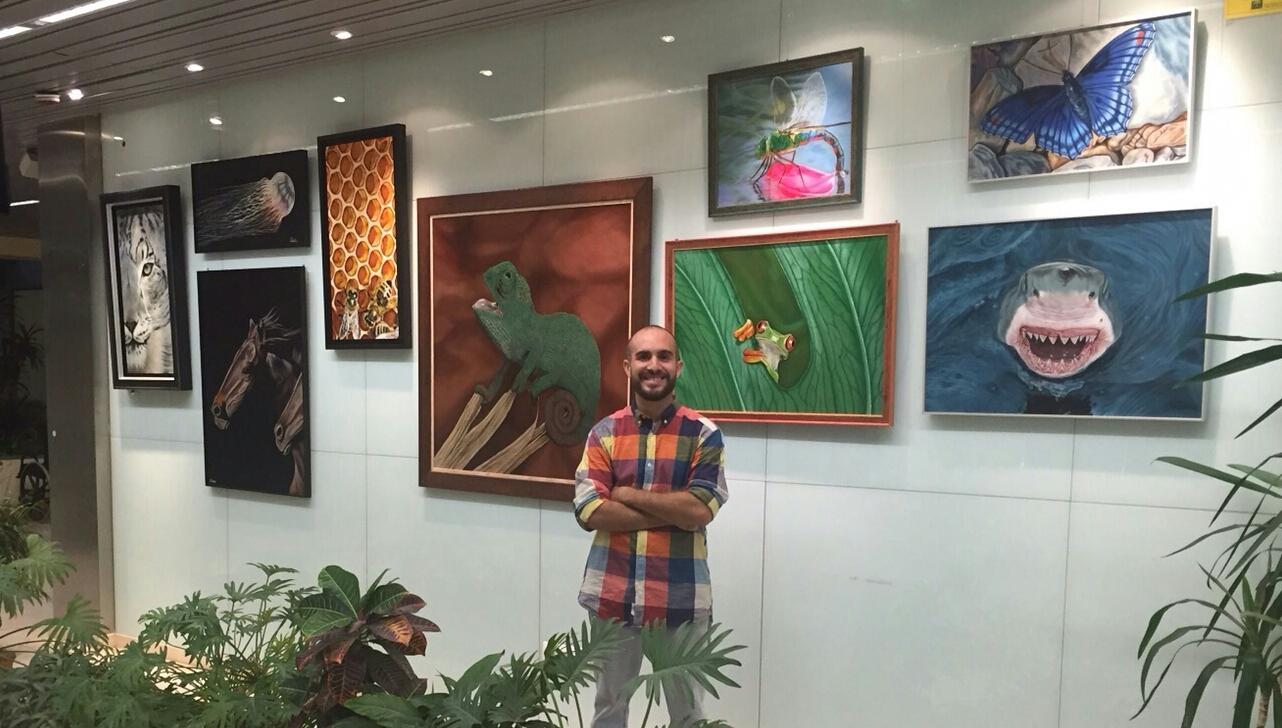 El Hospital Comarcal de la Axarquía acoge la exposición 'Animalia' del pintor  Salvador Pelaez 'Salvattore'