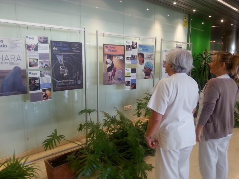 El Hospital Comarcal de la Axarquía acoge la exposición de Medicos del Mundo Andalucía 'En portada'