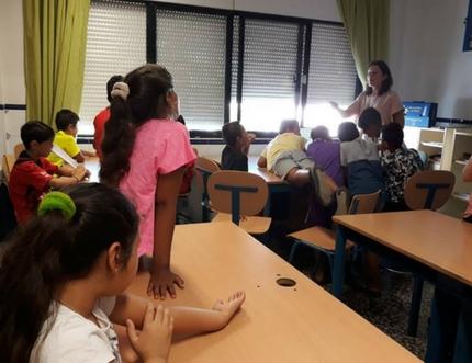 Profesionales de la UGC de Torre del Mar imparten Talleres de Higiene en la Escuela de Verano del CEIP Blas Infante
