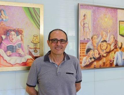 El Hospital Comarcal de la Axarquía acoge la exposición 'Terapeutic' del pintor veleño Antonio Aranda
