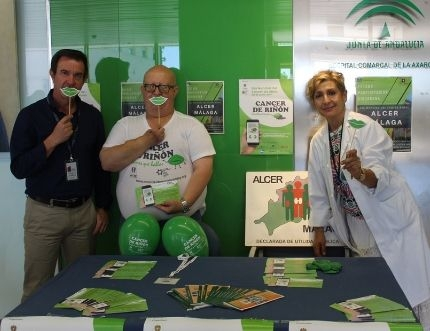 La asociación ALCER visita el Hospital Comarcal con motivo del Día Mundial del Cáncer de Riñón