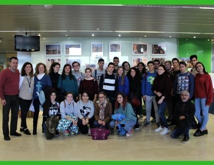 Estudiantes del Instituto de Enseñanza Secundaria Juan de la Cierva visitan el Hospital Comarcal de la Axarquía
