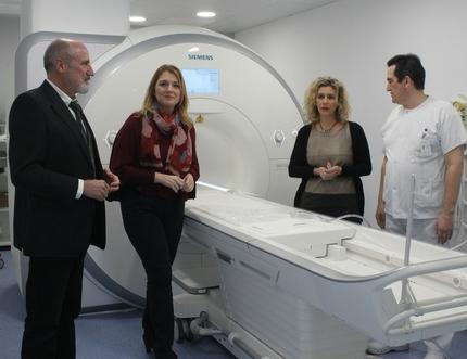 El equipo de Resonancia Nuclear Magnética del Hospital de la Axarquía comienza su actividad programada