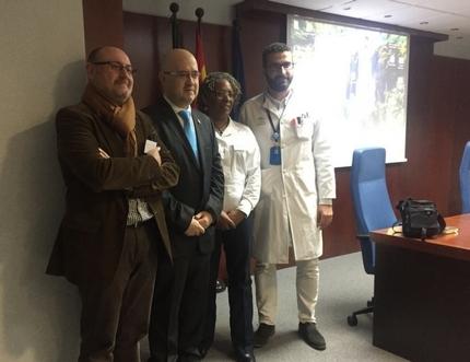 El Consulado Británico y la Universidad de Birmingham presentan en el Hospital Comarcal de la Axarquía la versión en español de la página web 'Support in Spain'