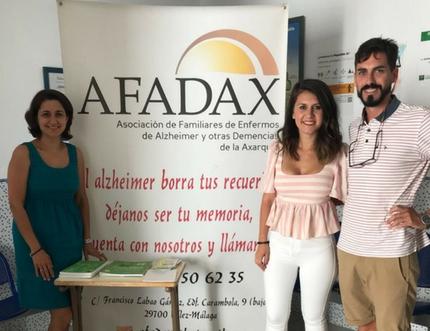El centro de salud de Almachar recibe la visita de AFADAX