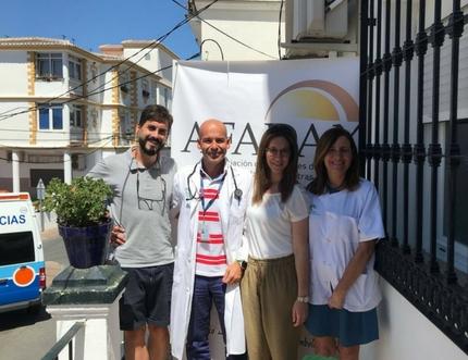El centro de salud de Cómpeta recibe la visita de AFADAX