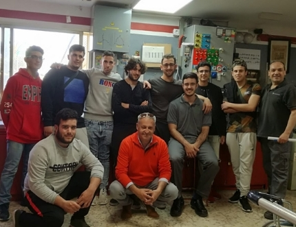 Alumnado del Grado de Mantenimiento de Instalaciones Frigoríficas y de Climatización del IES 'El Chaparil' de Nerja visitan el Hospital Comarcal de la Axarquía