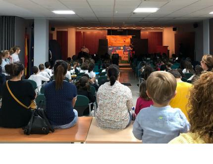 """Aforo completo en el I Encuentro de Teatro Escolar """"Abre el telón a tus sueños …."""""""
