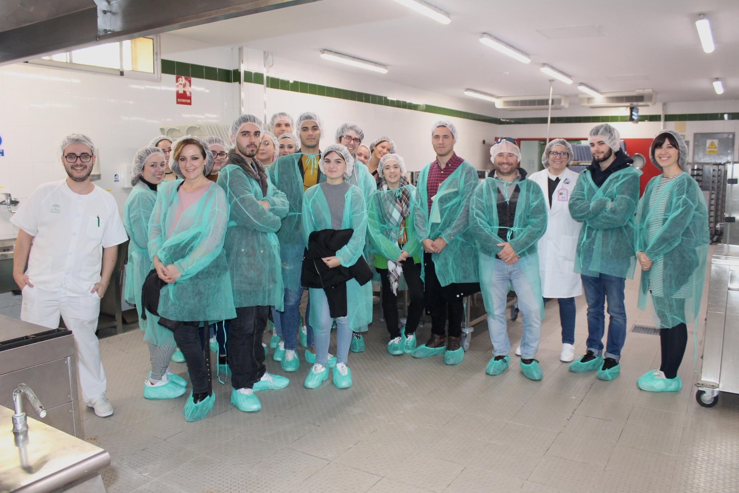 Estudiantes del Instituto de Enseñanza Secundaria María Zambrano de Torre del Mar  visitan el Hospital de La Axarquía