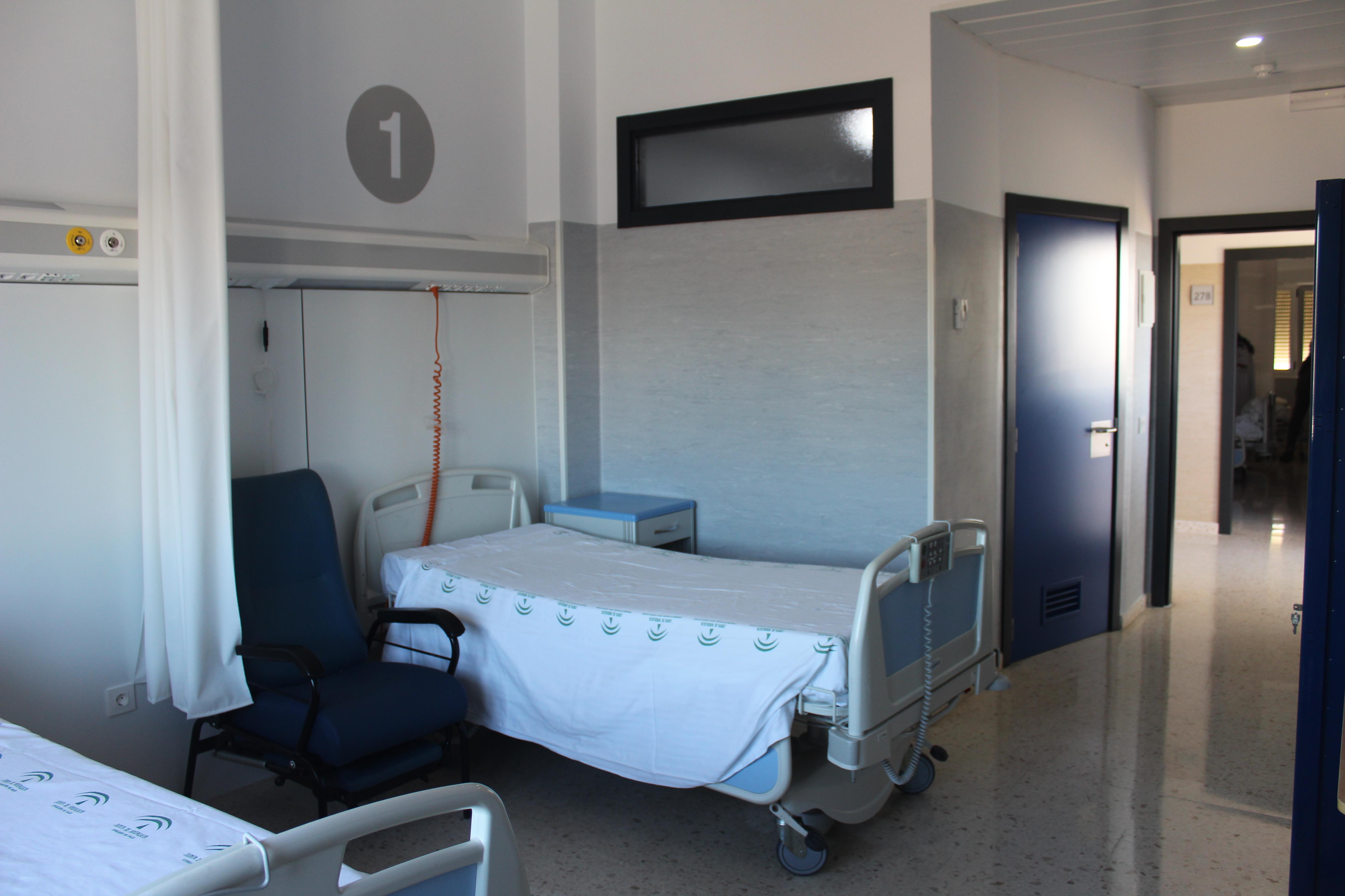 El Hospital de La Axarquía mejora sus instalaciones de cara a la Covid-19 con la finalización de una nueva ala de hospitalización