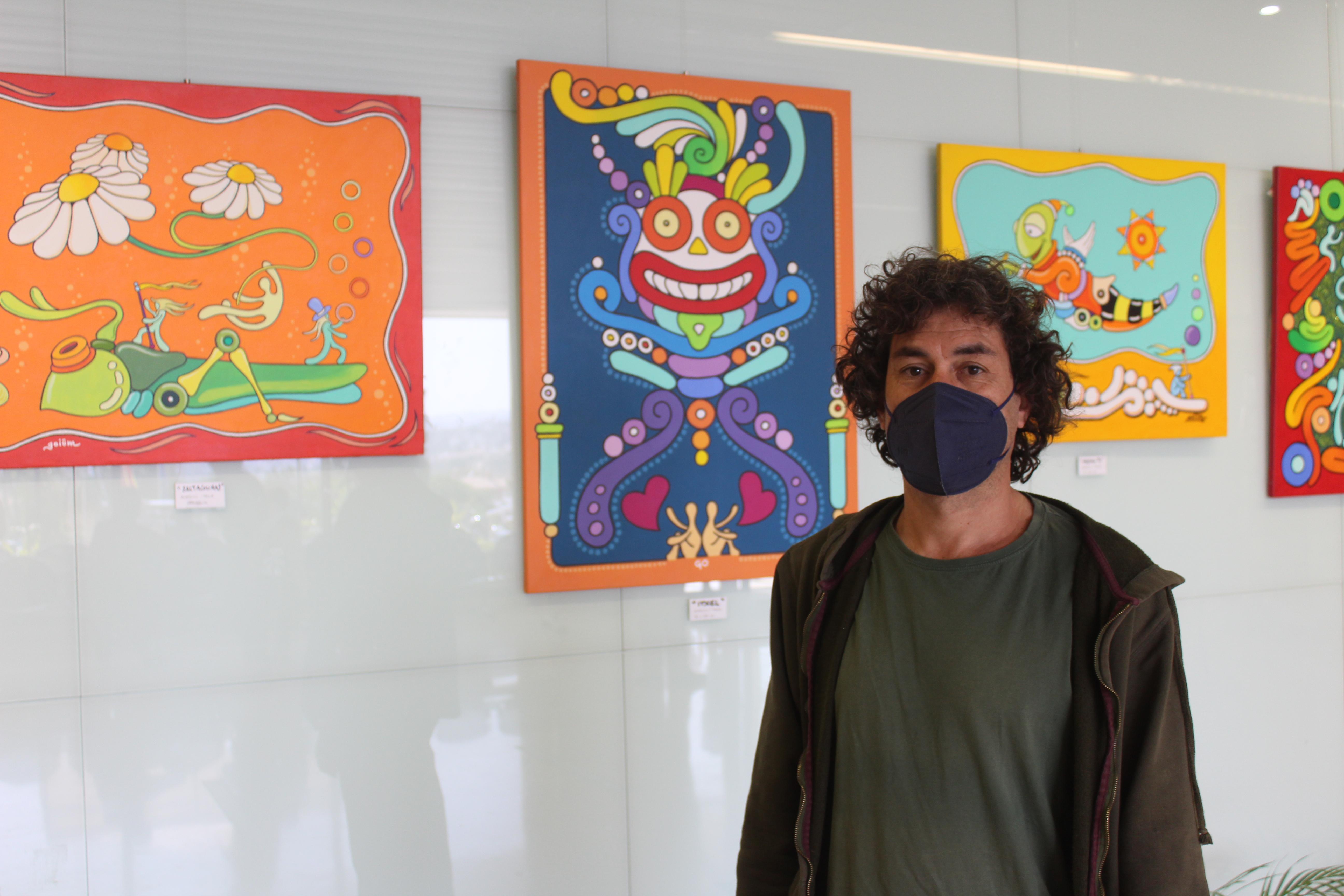 El Hospital de la Axarquía acoge la exposición 'Fábula' del pintor veleño Pablo Berenguer