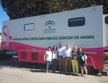 Hasta hoy viernes, la Unidad Móvil para la Detección Precoz del Cáncer de Mama estará en Vélez-Málaga