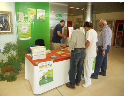 Celebramos el Día Mundial sin Tabaco y Semana sin Humo con la instalación de una mesa informativa en el Hospital