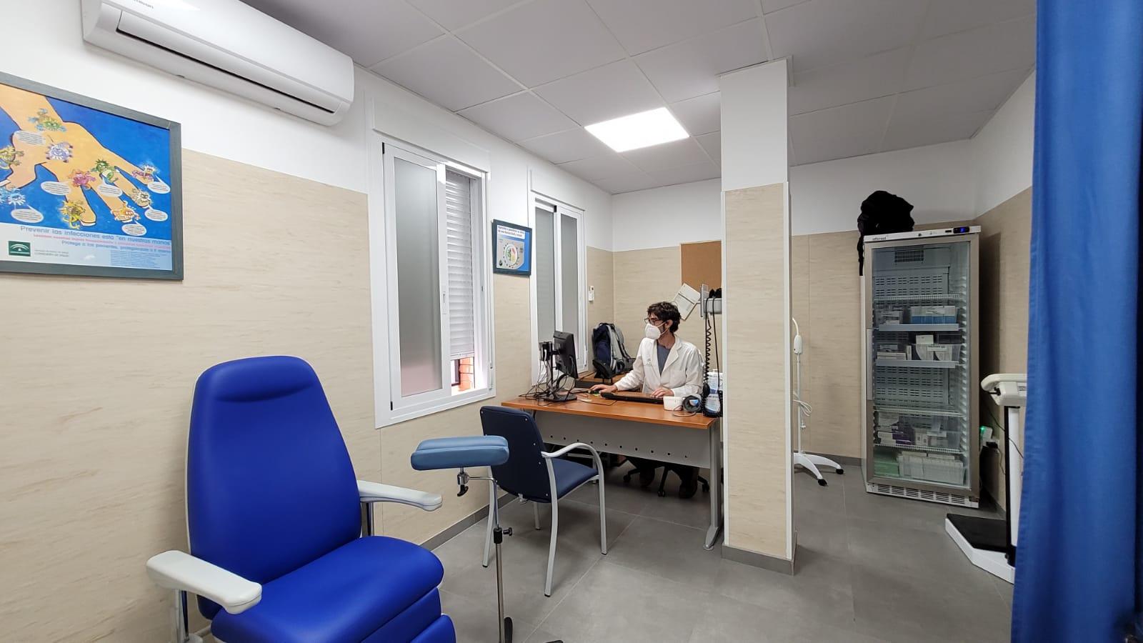 El centro de salud de Nerja mejora sus espacios asistenciales con la incorporación de dos consultas de Enfermería de Familia