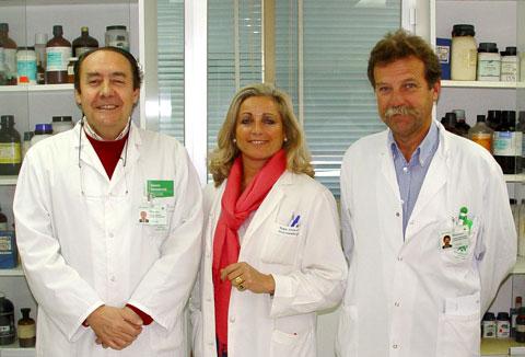 Los doctores Manuel Casal, María José Linares y Francisco Solís.