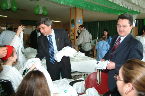 El presidente de la diputación en su visita al hospital
