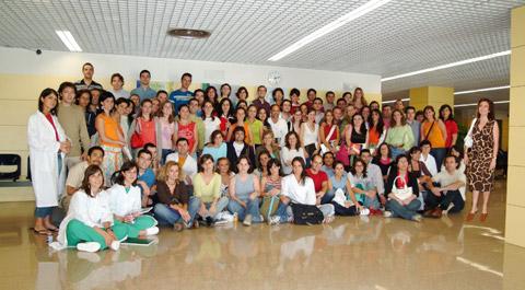 Grupo de residentes que empiezan su formación en el hospital