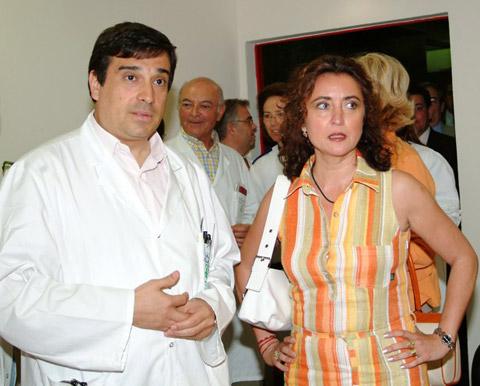 La delegada de salud en su visita al hospital del día de oncología