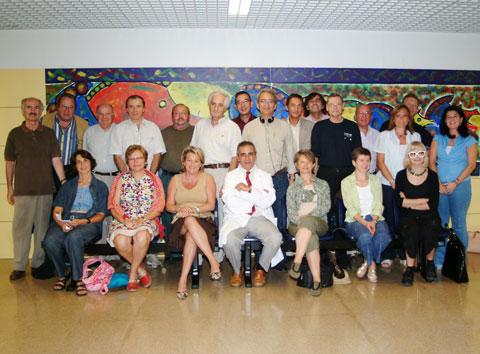 Miembros de la Asociación Parisina de Reumatólogos durante su visita al hospital