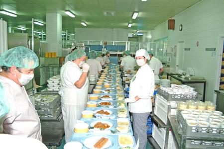 Una vista de la cocina del hospital