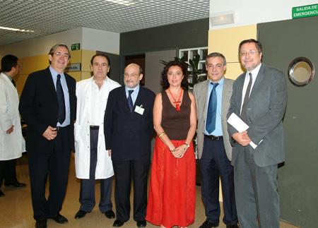 Representantes del hospital en el acto de bienvenida a los MIR
