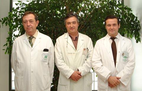 Los doctores Pedro López Villarejo, Alfredo Jurado y Enrique Cantillo