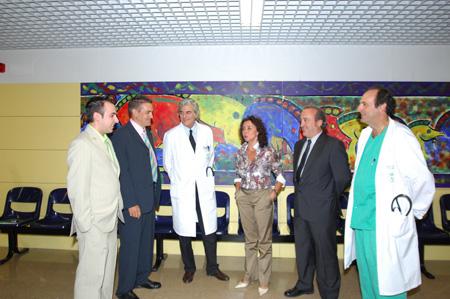 Los pacientes trasplantados junto a responsables del hospital