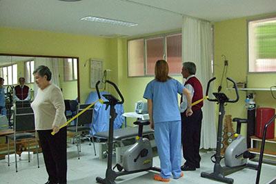 Gimnasio en el servicio de rehabilitación del hospital