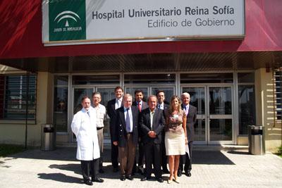 Directivos del hospital junto con responsables sanitarios del IMSS