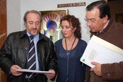 La delegada de Salud, el director gerente y el dr. Robles