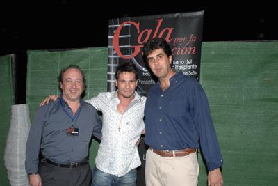 El gerente del hospital, David de María y el coordinador de trasplantes, José María Dueñas