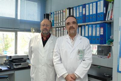 El Dr. Torres y Dr. Román de hematología