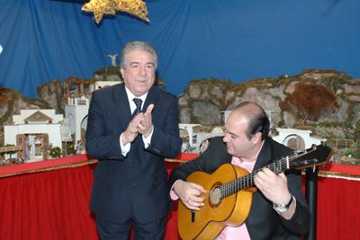 Nano de Jerez ofreció una zambomba flamenca en el Belén instalado por la Asocación Andalusí de trasplantados hepáticos