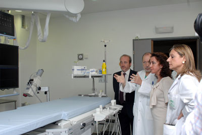 La delegada de Salud, el gerente del hospital y los radiólogos Marina Álvarez y Miguel Canis