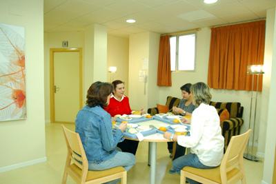 Mujeres que se han alojado en el Hotel de madres del hospital.