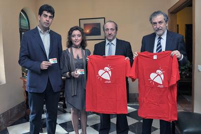 La delegada de Salud con representantes del hospital y del Córdoba CF durante la presentación del encuentro.