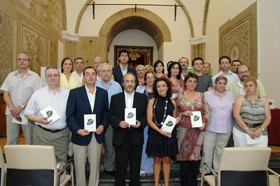 Autoridades, poetas, profesionales del hospital y personas trasplantadas.