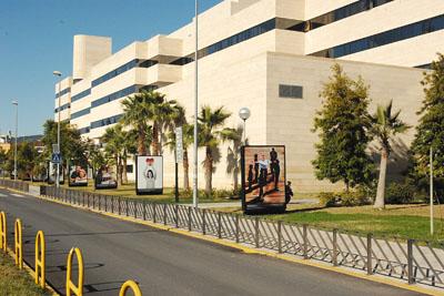 La exposición 'Regalos de Vida' en el hospital