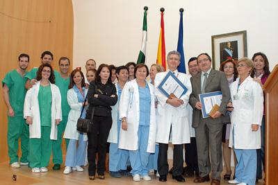 Profesionales de la Unidad de la Mujer y de la Unidad de Cirugía Torácica, ambas recientemente acreditadas