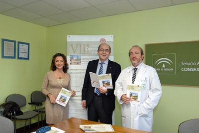 La delegada de Salud, el doctor Moreno y el gerente del hospital.