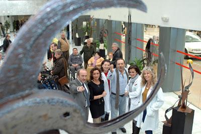 Algunos de los asistentes a la inauguración de la exposición.