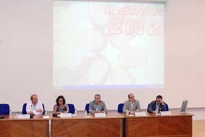 Responsables sanitarios de Córdoba dan la bienvenida a los nuevos residentes.