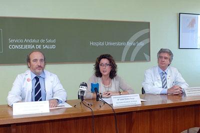 El gerente del hospital, la delegada de Salud y el doctor Salvatierra presentaron la jornada