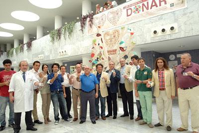 Cantores de Hispalis y premios nacionales de flamenco de Córdoba dejan en el árbol su razón para donar