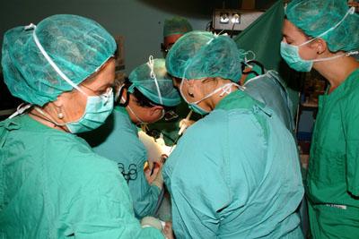 Imagen de archivo de un quirófano durante un trasplante.