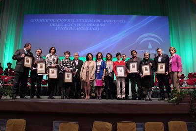 Los premiados por la Junta en Córdoba con motivo del Día de Andalucía tras recibir la distinción