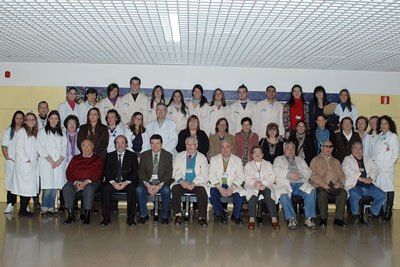 Profesionales del hospital y voluntarios que asistieron al encuentro